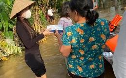 Vụ Thủy Tiên dừng phát tiền cứu trợ ở Hải Lăng - Quảng Trị vì thấy người nhận tiền đeo vàng: Chủ tịch xã lên tiếng lý giải