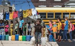 Hai thế giới: Bộ ảnh khiến người xem phải rơi nước mắt cho những đứa trẻ sống giữa đạn bom, bình yên là điều vô cùng xa xỉ