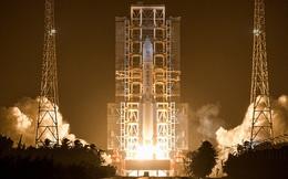 Trung Quốc vừa phóng tàu thám hiểm lên Mặt Trăng với mục tiêu gom về 2 kg đất đá