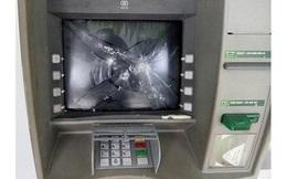 Đập phá máy ATM ngân hàng sẽ bị xử lý thế nào?