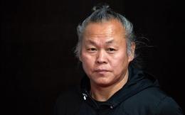 """Shock: Đạo diễn Kim Ki Duk - """"Tượng đài điện ảnh Hàn"""" qua đời vì nhiễm Covid-19"""