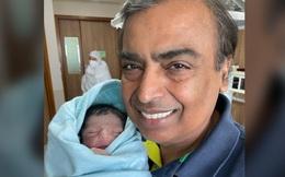"""Vừa sinh ra đã là """"cậu bé vàng"""" nhưng cháu trai đầu tiên của tỷ phú giàu nhất châu Á không phải có cuộc sống như mơ và đây là lý do"""