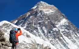 Trung Quốc và Nepal thống nhất cách đo, xác nhận đỉnh Everest cao thêm 0,6 mét so với trước đây.