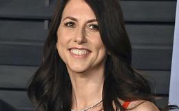 Vợ cũ Jeff Bezos rút gần 6 tỷ USD làm từ thiện