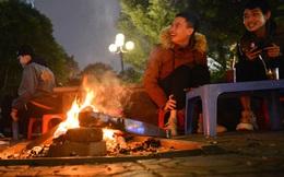 Chùm ảnh: Người Hà Nội đốt lửa trong đêm rét nhất từ đầu mùa, nhiệt độ dưới 12 độ C