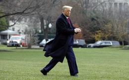 """Tổng thống Trump thông qua dự luật """"đuổi"""" doanh nghiệp Trung Quốc khỏi sàn chứng khoán Mỹ"""