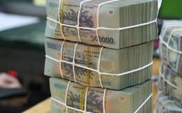 """Gần 30.000 tỷ đồng """"tuồn"""" qua biên giới: Cuộc chiến mới về quản lý tiền tệ"""