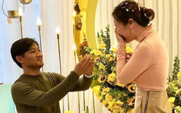 Quý Bình lần đầu hé lộ khoảnh khắc cầu hôn bà xã doanh nhân, không cần nến và hoa nhưng nàng vẫn vỡ oà hạnh phúc!