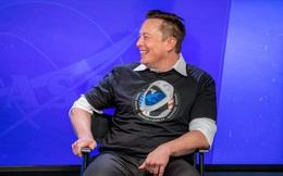 SpaceX cộng tác tổ chức đua xe điều khiển từ xa trên bề mặt Mặt Trăng, thuê nhà thiết kế siêu xe Ferrari về để cố vấn