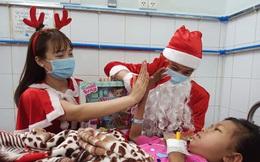 """Xúc động điều ước Giáng sinh của các bệnh nhi chạy thận, ung thư: """"Con chỉ muốn hết bệnh, về nhà cùng quả cầu tuyết"""""""