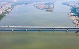 CLIP: Cận cảnh công nhân gấp rút sửa cầu Thăng Long chi phí 269 tỉ đồng