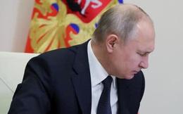 Tổng thống Putin quyết định tiêm vaccine COVID-19 do Nga sản xuất
