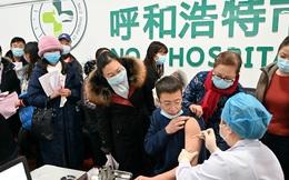 Làn sóng Hoa kiều trở về Trung Quốc tiêm vắc-xin nội địa