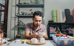 """Chàng trai Hà Nội sáng tạo cả kho đồ chơi từ rác thải: """"Mình làm không xuể, vì lượng rác quá nhiều"""""""