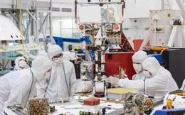 Hacker có thể tấn công vào phòng thí nghiệm, để lừa các nhà khoa học tạo ra virus truyền nhiễm như thế nào?