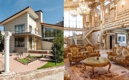 Bên ngoài tối giản, bên trong dát vàng: Kì lạ ngôi nhà nội thất trang hoàng như cung điện