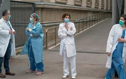 Đại dịch Covid-19 'quật ngã' hàng nghìn nhân viên y tế khắp châu Âu