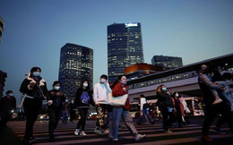 Reuters: Người tiêu dùng Trung Quốc trở lại mua sắm khi dịch Covid-19 đã qua đỉnh