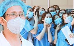 """Nụ cười sau lớp khẩu trang của các bác sĩ chữa khỏi 6 ca bệnh Covid-19 ở Đà Nẵng: """"Tổ quốc gọi, chúng tôi luôn sẵn sàng. Chúng tôi không e sợ!"""""""