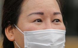 Nữ điều dưỡng Bệnh viện Bạch Mai mắc Covid-19: Tôi đã phải cố bò dậy ăn cốc cháo nguội