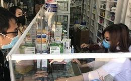 Hà Nội: Hiệu thuốc bắt đầu thực hiện yêu cầu người mua thuốc cảm cúm, ho, sốt phải khai báo y tế để phòng chống dịch COVID-19