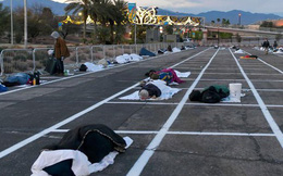Thành phố Las Vegas chia ô trống cách nhau gần 2m trong bãi đỗ xe cho người vô gia cư ngủ trong mùa dịch Covid-19