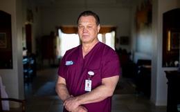 """Bác sĩ Mỹ đồng loạt bức xúc vì bị kỷ luật khi đeo khẩu trang giữa dịch Covid-19: """"Chuyện gì đang xảy ra với hệ thống y tế của chúng ta?"""""""