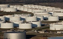 'Kẻ thắng người thua' trong thị trường dầu dư cung