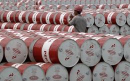 """Cách hiểu ngắn gọn nhất về giá dầu âm lúc này: Thuê người """"đi đổ rác"""""""
