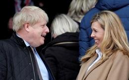 Vừa khỏi COVID-19, Thủ tướng Anh đã đón con trai chào đời