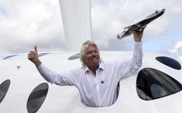 """Nỗ lực """"cứu sống"""" đế chế giải trí và du lịch, tỷ phú Richard Branson hết thế chấp đảo riêng, đến bán cổ phần trong công ty hàng không vũ trụ với kỳ vọng huy động 500 triệu USD"""
