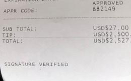 Thợ cắt tóc bất ngờ nhận được 2.500 USD tiền 'tip' từ khách hàng