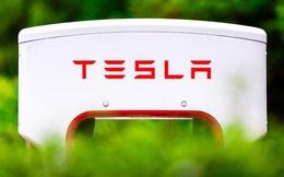 Tesla chuẩn bị ra mắt loại pin mới, có thể đặt dấu chấm hết cho lợi thế giá cả của xe xăng