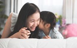 Con gái lớn lên tự tin, thành công rực rỡ hay không đều phụ thuộc vào việc có được mẹ dạy 4 bài học quan trọng này