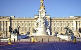 Hoàng gia Anh rơi vào tình trạng khó khăn tài chính trong khi vợ chồng Meghan Markle có cách cư xử khó chấp nhận