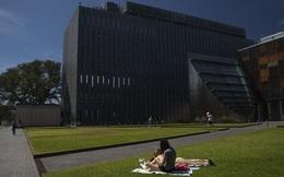 Bloomberg: Đóng cửa biên giới, nền kinh tế Australia trở lại thời tiền toàn cầu hoá