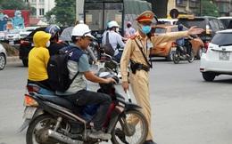 Đổ xô mua bảo hiểm xe cơ giới: Nhầm lẫn giữa bảo hiểm bắt buộc và tự nguyện