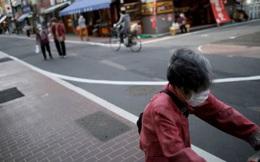 Người cao tuổi Nhật Bản chiến đấu với khủng hoảng kép trong đại dịch COVID-19