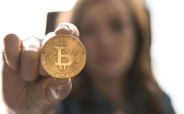 Bitcoin chạm ngưỡng 9.000 USD