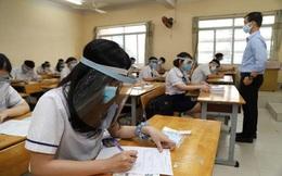 Thủ tướng: Vừa đội mũ bảo hộ, vừa đeo khẩu trang trong lớp thì học sao được