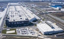 Bloomberg: Tesla đột ngột đình chỉ hoạt động sản xuất tại siêu nhà máy ở Trung Quốc