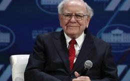 """""""Bình thản trước giông bão"""" nhưng đây là cách Warren Buffett đang âm thầm đối phó với cuộc khủng hoảng """"tồi tệ nhất 89 năm cuộc đời"""""""
