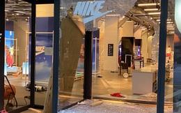 Hàng loạt thương hiệu xa xỉ bị dọn sạch cửa hàng giữa làn sóng biểu tình bạo loạn