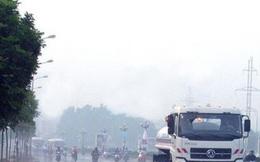 Ý kiến trái chiều về việc chi hơn 100 tỷ rửa đường ở Hà Nội