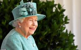 Nữ hoàng Anh chính thức xuất hiện sau thời gian dài ở ẩn với khí chất hơn người, ngầm thông báo về tương lai của hoàng gia