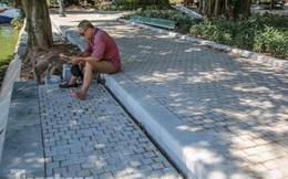 Diện mạo Hồ Gươm ra sao sau khi kè bê tông trường tồn, lát đá hoa cương?