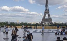 Pháp mở cửa trở lại tháp Eiffel, đánh dấu cột mốc mới trong quá trình hồi phục sau đại dịch