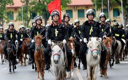 Chùm ảnh: Đội Kỵ binh Cảnh sát cơ động diễu hành trên Quảng trường Ba Đình