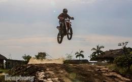 Cận cảnh đường đua xe địa hình đầu tiên ở Hà Nội