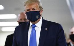 Mỹ có tới 71.000 ca nhiễm trong 24 giờ, ông Trump lần đầu tiên công khai đeo khẩu trang